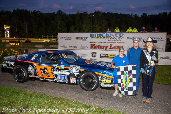 Volm, Strachota get third feature wins; Rowe back up front in Mini Stocks