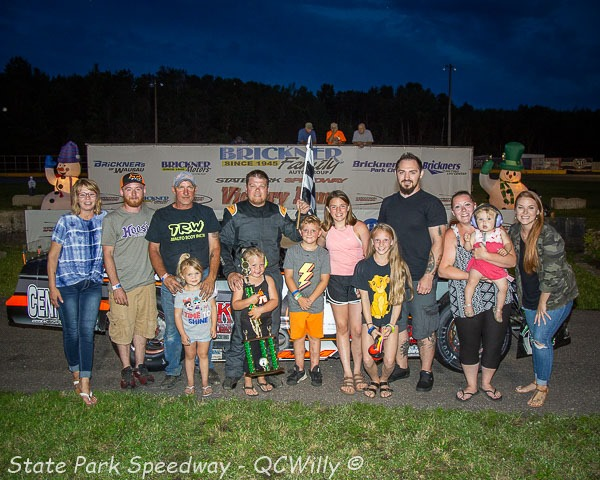 Red-hot Volm wins again, takes super late main on Christmas in July Night