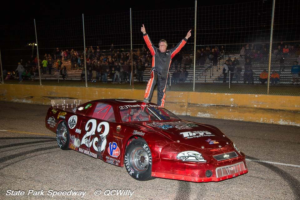 Van Der Geest takes first-ever super late crown, Mondeik wins feature on championship night